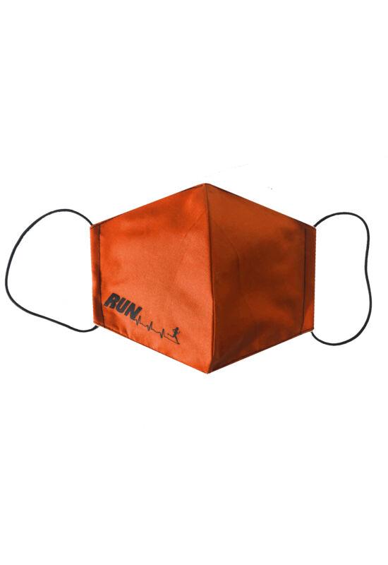 Maszk narancssárga run felirattal