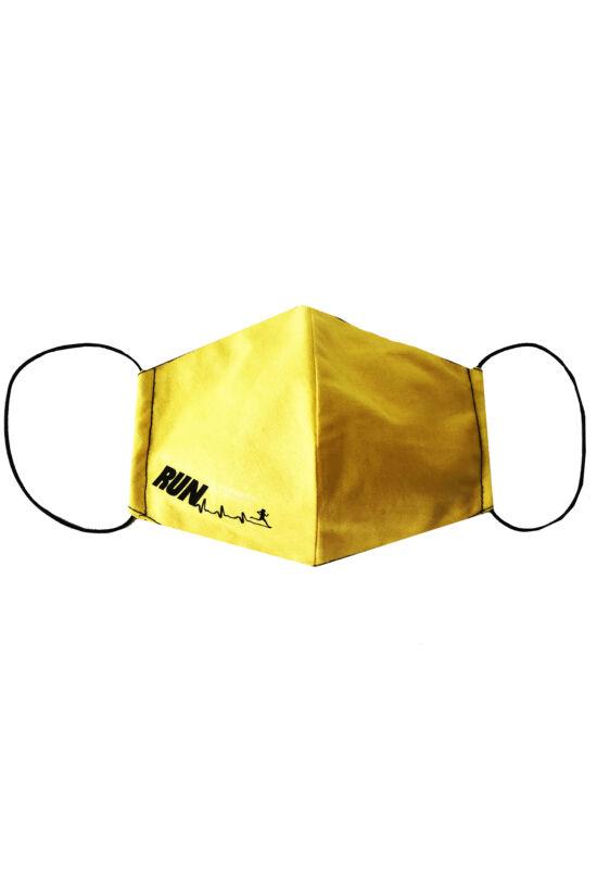 Maszk sárga run felirattal